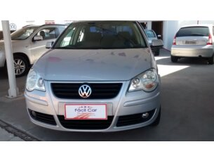 Super Oferta: Volkswagen Polo Sedan Comfortline 1.6 8V (Flex) 2006/2007 4P Prata Flex