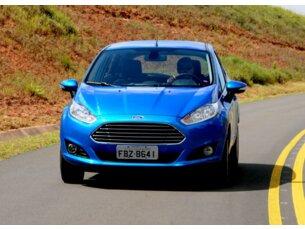 Super Oferta: Ford New Fiesta SE 1.6 16V PowerShift 2014/2015 4P Branco Flex