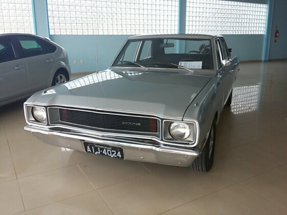 DODGE DART COUPE LUXO V8