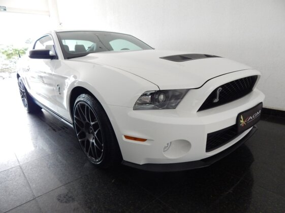 FORD MUSTANG SHELBY GT 500 V8