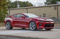 Empresa personaliza Camaro e Corvette com 800 cv