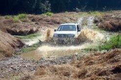 Ford EcoSport 4WD enfrenta a trilha