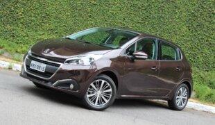 Peugeot 208 Griffe: câmbio novo, concorrência nova