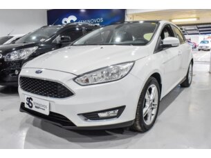 Ford Focus Hatch Em Porto Alegre Rs Icarros