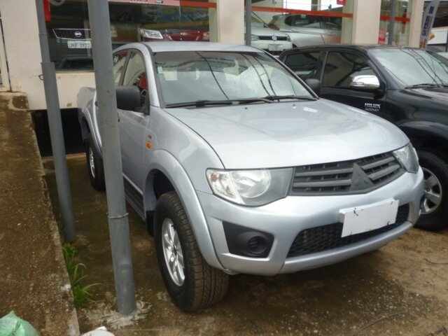 0a6e15eaf Mitsubishi L200 Triton 2.4 HLS (Flex) - Guará - Brasília - DF. Anúncio  23709033 - iCarros