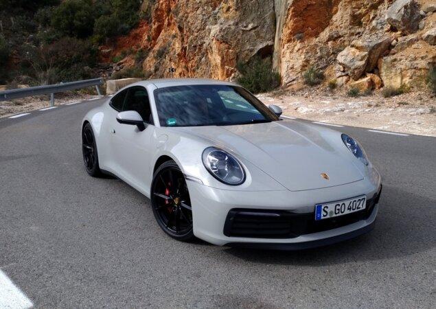 a01faa7dd63d3 Porsche 911 chega ao Brasil totalmente renovado em maio